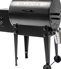 TRAEGER 20 Series Grill **NEVER USED** for Sale in Portland,  OR