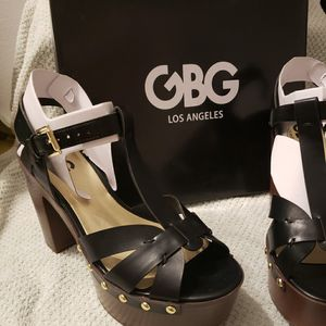 Black size7.5 GBG Las Angeles with wood heel for Sale in Miami, FL