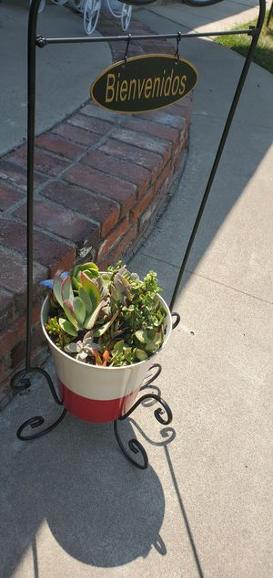 2pc Beautiful welcome/bienvenidos plant stand with planter packed with succullents for Sale in Orange, CA