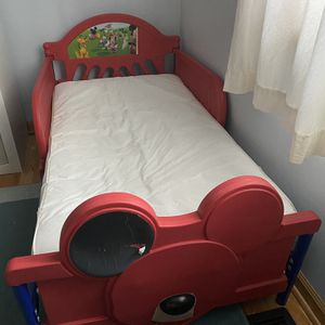 Toddler Bed for Sale in Schaumburg, IL