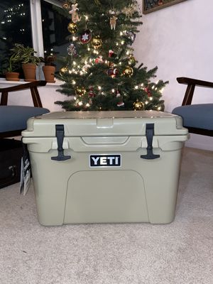 Yeti Tundra 35 cooler. New for Sale in Shoreline, WA