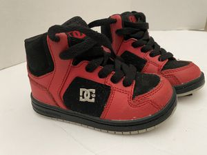 DC Shoes Kids Sz 7 Red Leather w Black Suede for Sale in Corona, CA