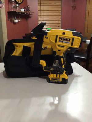 Dewalt XR flooring stapler for Sale in Wichita, KS