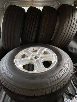 2020 Jeep Wrangler wheels and Michelin tires 95 % 245/75 /17 for Sale in Puyallup, WA