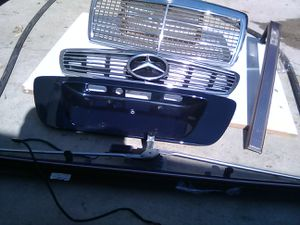 Mercedes Benz 1994-2002 c-class grill and parts does not come with wire harness or hardware for Sale in Riverside, CA