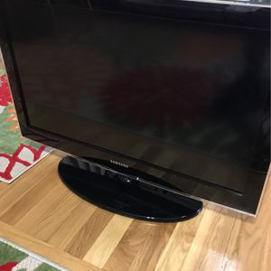 32 inch Samsung TV for Sale in Boston, MA