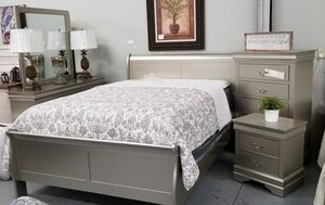 New Champagne Sleigh BEDROOM set for Sale in Boiling Springs, SC