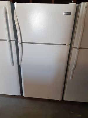 Apartment size refrigerator for Sale in Bellflower, CA