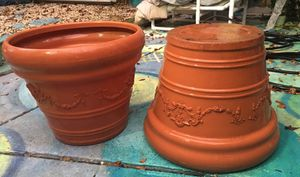 26x21 resin planters for Sale in Tampa, FL