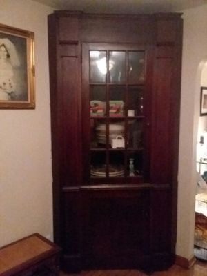 Antique solid wood corner china cabinet for Sale in Bexley, OH