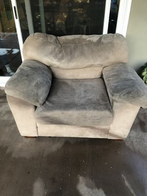Free Couch for Sale in West Covina, CA