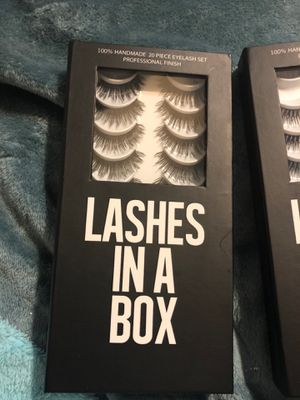 Lashes in a box-10 lash set for Sale in South Houston, TX