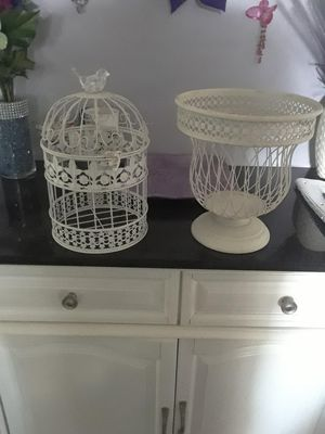 Decorative birdhouse and planter for Sale in Portsmouth, VA