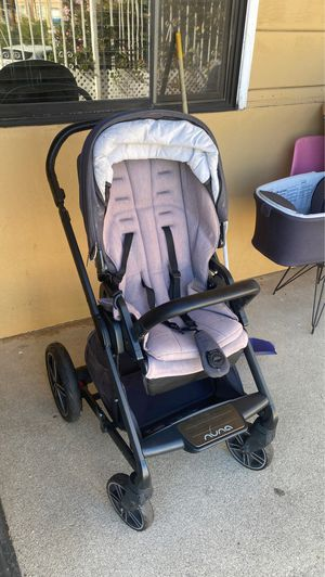 Nuna stroller with bassinet,seat, and car seat adapters for Sale in Los Angeles, CA