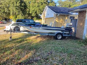 Bass boat 3000.00 runs and drives will trade for center console boat for Sale in Lockhart, FL