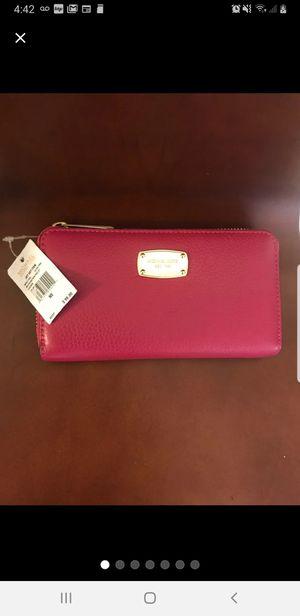 New Michael Kors wallet for Sale in Wichita, KS