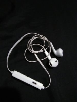 Bluetooth Earbuds/Headphones for Sale in Fresno, CA