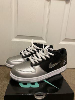 Nike dunk sb supreme jewel swoosh sz 10 for Sale in Greensboro, NC