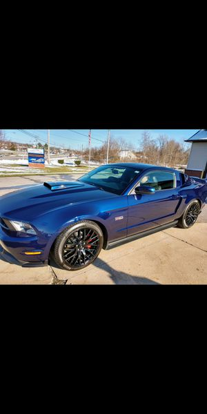 2010 mustang GT 5 speed collector car for Sale in Chardon, OH