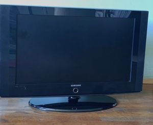 Samsung 32 flat tv 100 or best offer for Sale in San Jose, CA