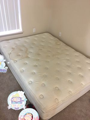 Free queen mattress for Sale in Seattle, WA