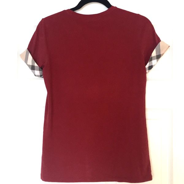 Burberry Women's red Tee