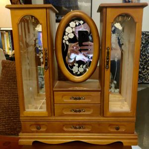 Jewelry Box, solid oak with mirrors. for Sale in Bellevue, WA