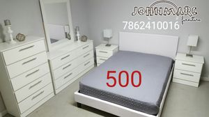 6 pieces bedroom set mattress not incluid for Sale in Hialeah, FL