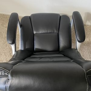 Executive Office Chair for Sale in Newburgh Heights, OH