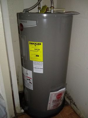 Rheem performance water heater. for Sale in Tampa, FL
