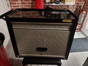 Stanley Metal Tool Box 24×20×12 Unlocked No Key for Sale in Miami, FL