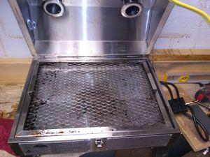 Holland companion electric smoker/grill for Sale in Hamilton, IL