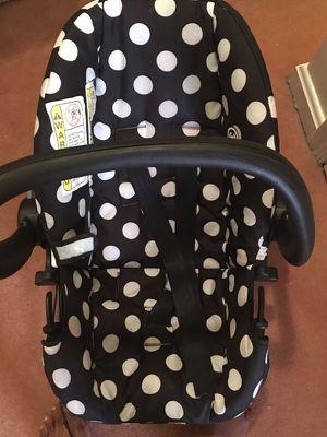 Disney infant car seat w/ base for Sale in Gaithersburg, MD
