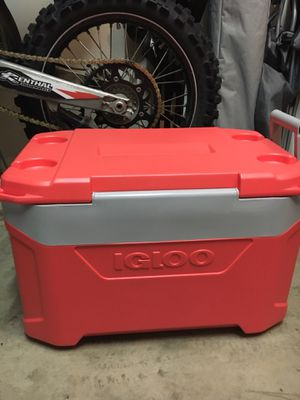 Igloo cooler for Sale in Raleigh, NC