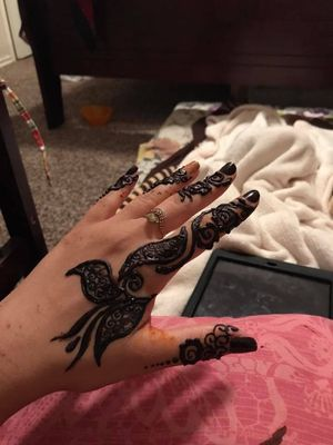 I am doing henna tattoo.if some1 interested text me 1{contact info removed}) for Sale in Midland, TX