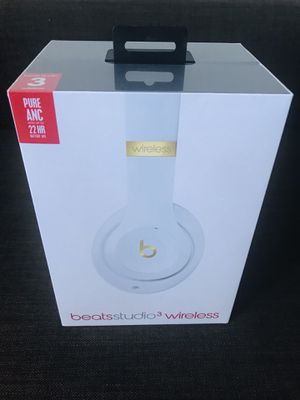 NEW Apple Beats Studio3 Wireless - White/Gold for Sale in El Cajon, CA
