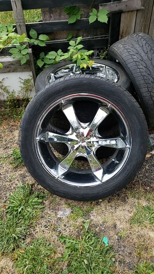 Set of 4 D.O.A. chrome 22in rims. ( tires not included) for Sale in Newberg, OR