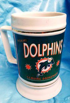 🐬 dolphins NFL merchandise stein for Sale in Medford, OR