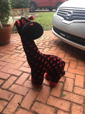 2 foot tall Valentine's Day giraffe stuffed animal for Sale in Hialeah, FL