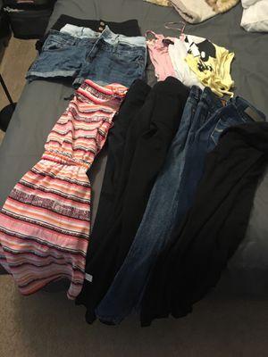 Free woman's cloth for Sale in Newport News, VA