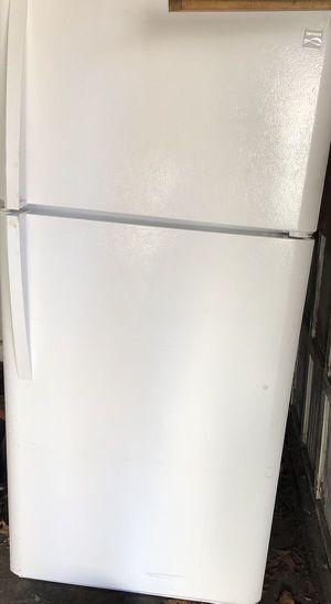 Refrigerator Kenmore for Sale in Lindenwold, NJ