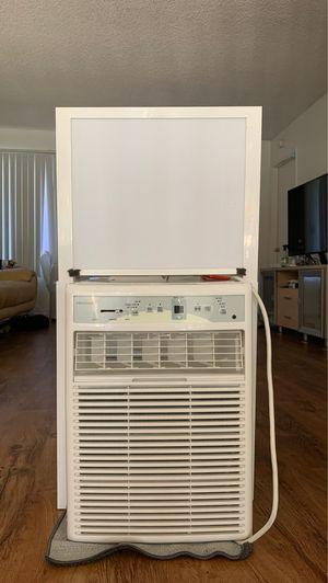 Frigidaire Window A/C unit for Sale in HUNTINGTN BCH, CA
