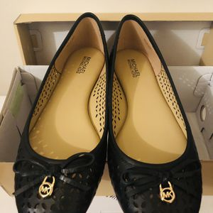 Michael Kors Flats, Size 6, brand new for Sale in Cary, NC