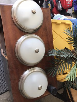 3 light fixtures for Sale in Marble Falls, TX
