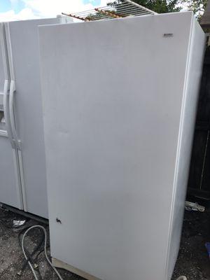 Upright freezer like new for Sale in West Palm Beach, FL