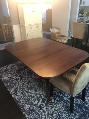Antique dropleaf table for Sale in Pasadena, MD