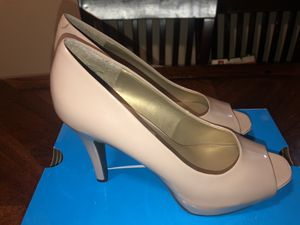 Nude heels size 10 for Sale in Montclair, CA