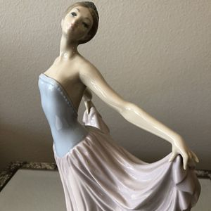 Lladro Dancer for Sale in Thousand Oaks, CA