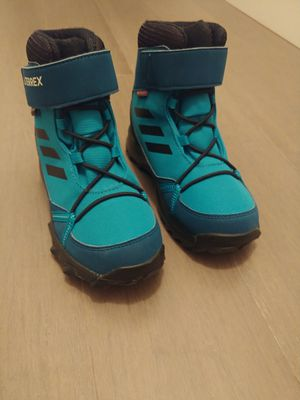 Adidas Terrex Unisex Kids Snow Boots Size 12 1/2 for Sale in Queens, NY