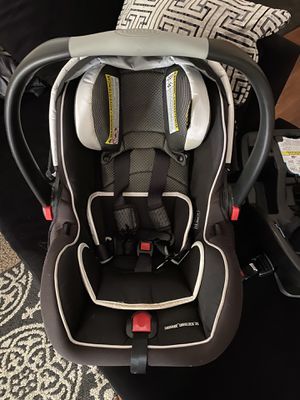 Graco Infant car seat for Sale in Minneapolis, MN